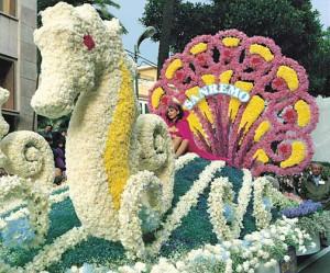 Sanremo: il Corso Fiorito Sanremo: the Flower Parade